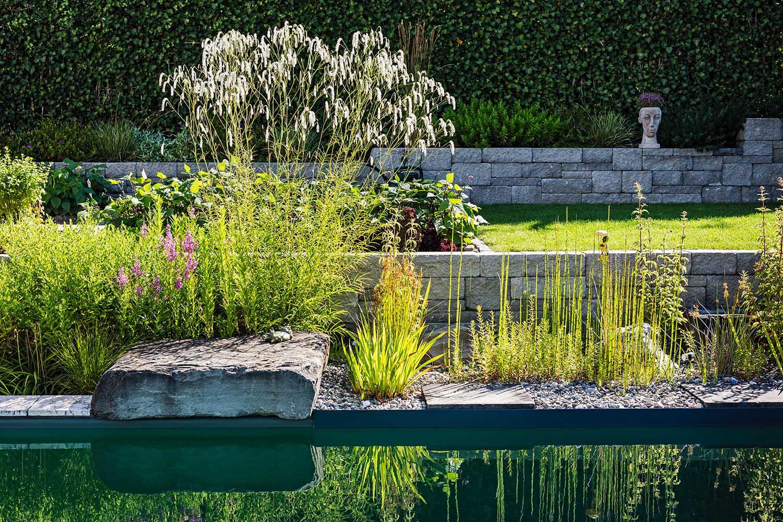 g rten des jahres grimm f r garten naturpools und landschaftsbau. Black Bedroom Furniture Sets. Home Design Ideas
