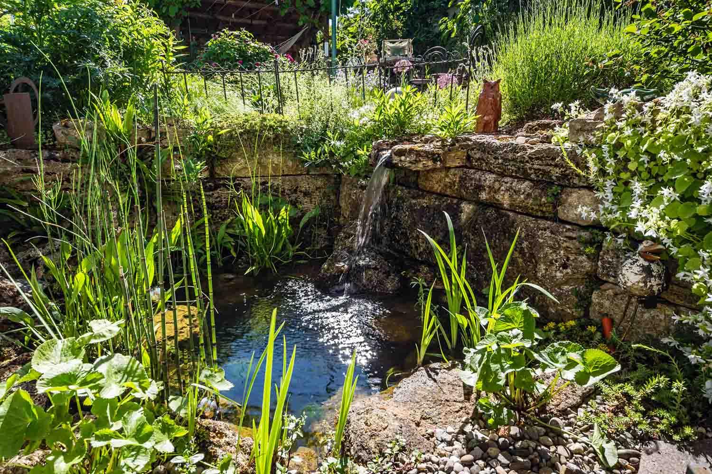 Garten galerie grimm f r garten naturpools und - Bachlauf im garten bilder ...
